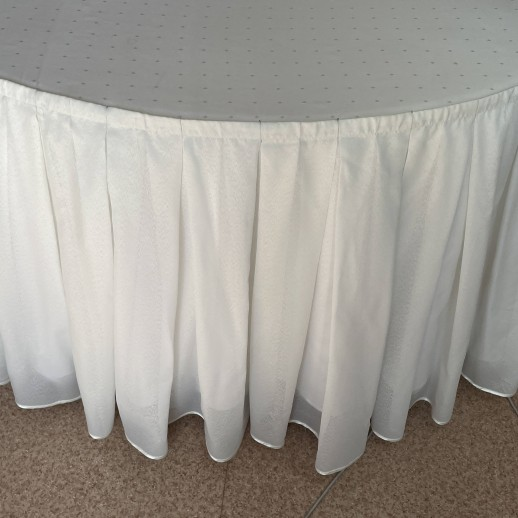 Аренда фуршетной юбки, молочная, тюль, 6,5 м х 70 см