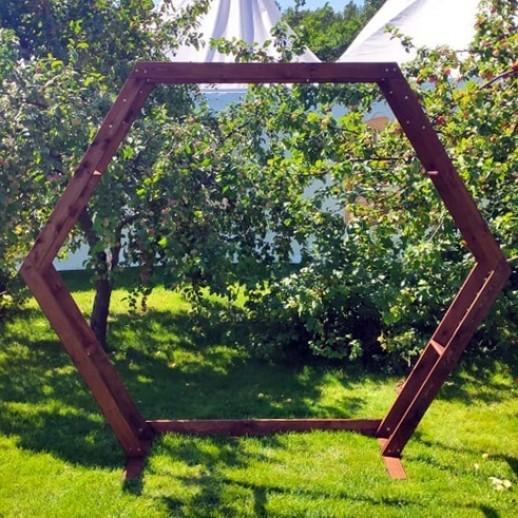 Арка шестиугольная (шестигранник), орех, 2,2 х 2,7 м