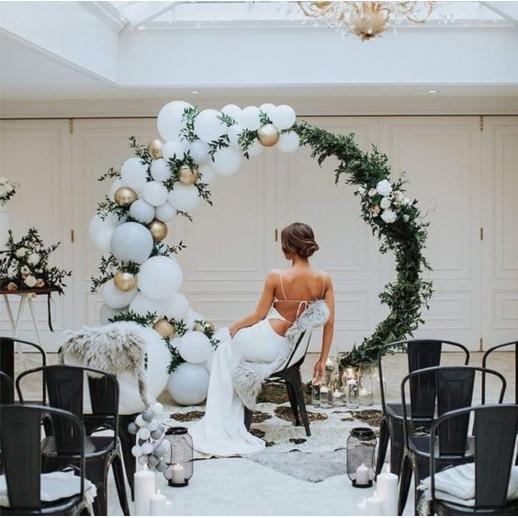 Круглая арка с цветами и шарами № 2270
